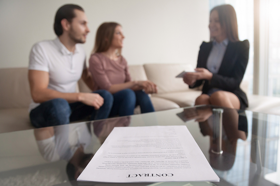 Family lawyer in Sydney talking to clients
